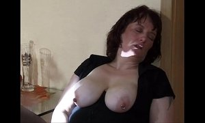 extreme  mom  squirt  weird