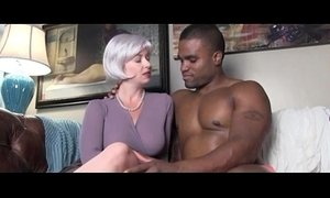 friend of son milfs seduced son and mommy